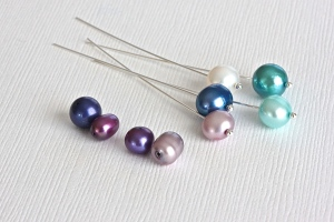 Trying to find the right purple to match the other 4 pearls, after 30  back and forth emails...that's not really fun!